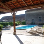 The pool at Maison Les Bardons is constantly heated during the season