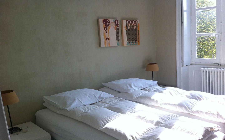 Slaapkamer met boxspring bedden