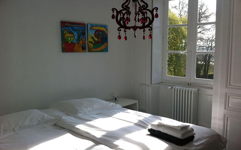 Slaapkamer met kroon