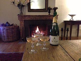 Heerlijke locale champagne voor de openhaard